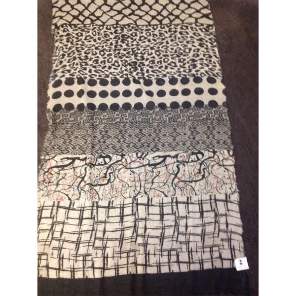 Wollschal 90% Lammwolle/10%Seide 70 x 180 cm Mustermix